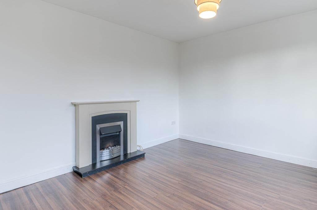 David Cosby Chartered Surveyors & Estate Agents - PINEWOOD, BLETCHLEY - Sitting Room 2