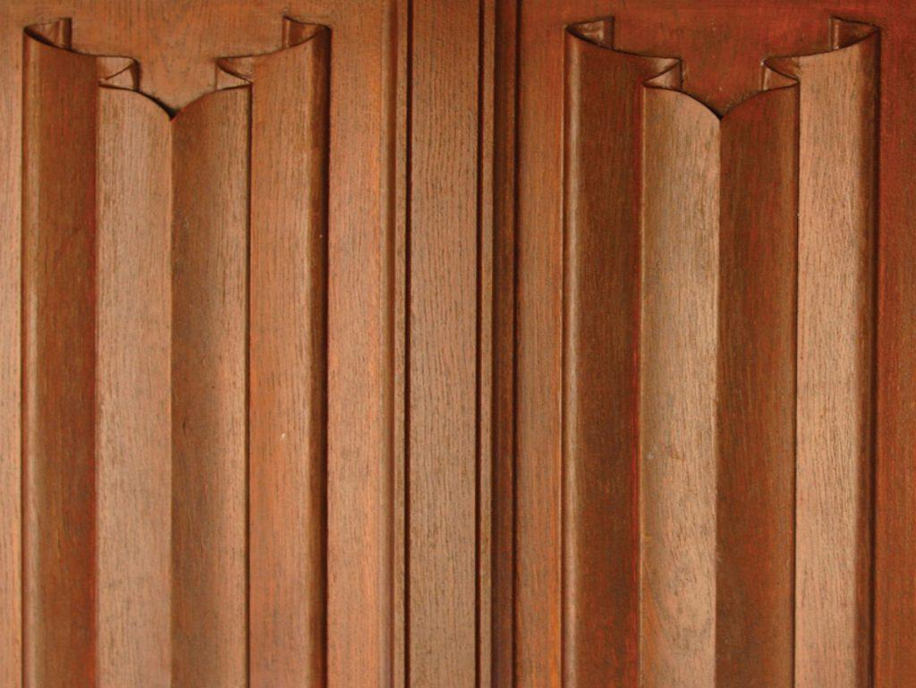 An example of Oak linenfold Wall Panelling
