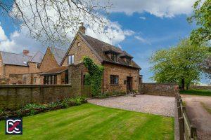 Lover's Cottage, Farthingstone, NN12 8HE